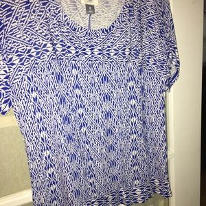 Loose fit old navy shirt